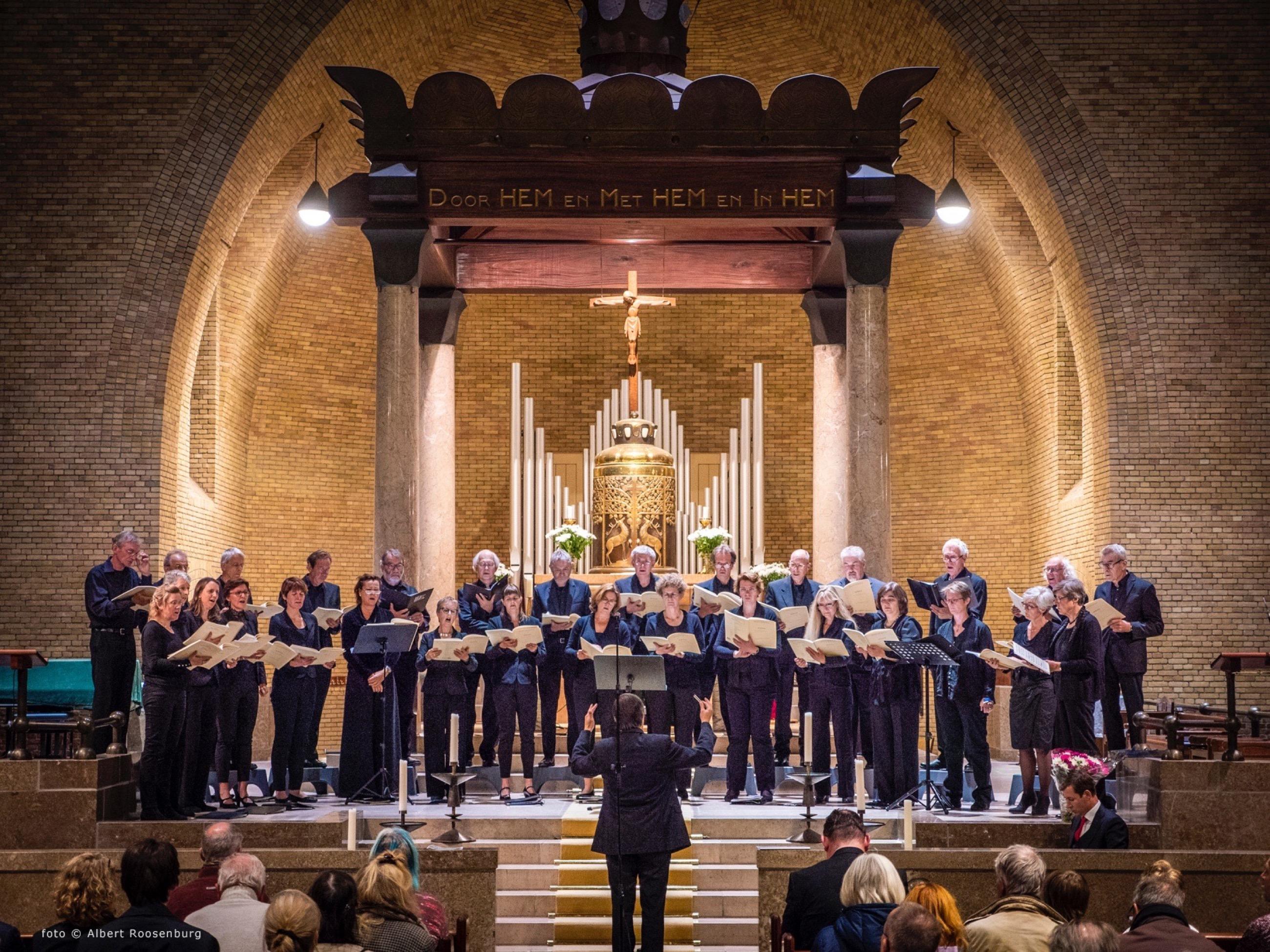 Luna Kamerkoor zingt All-night vigil (Vespers) van Rachmaninov