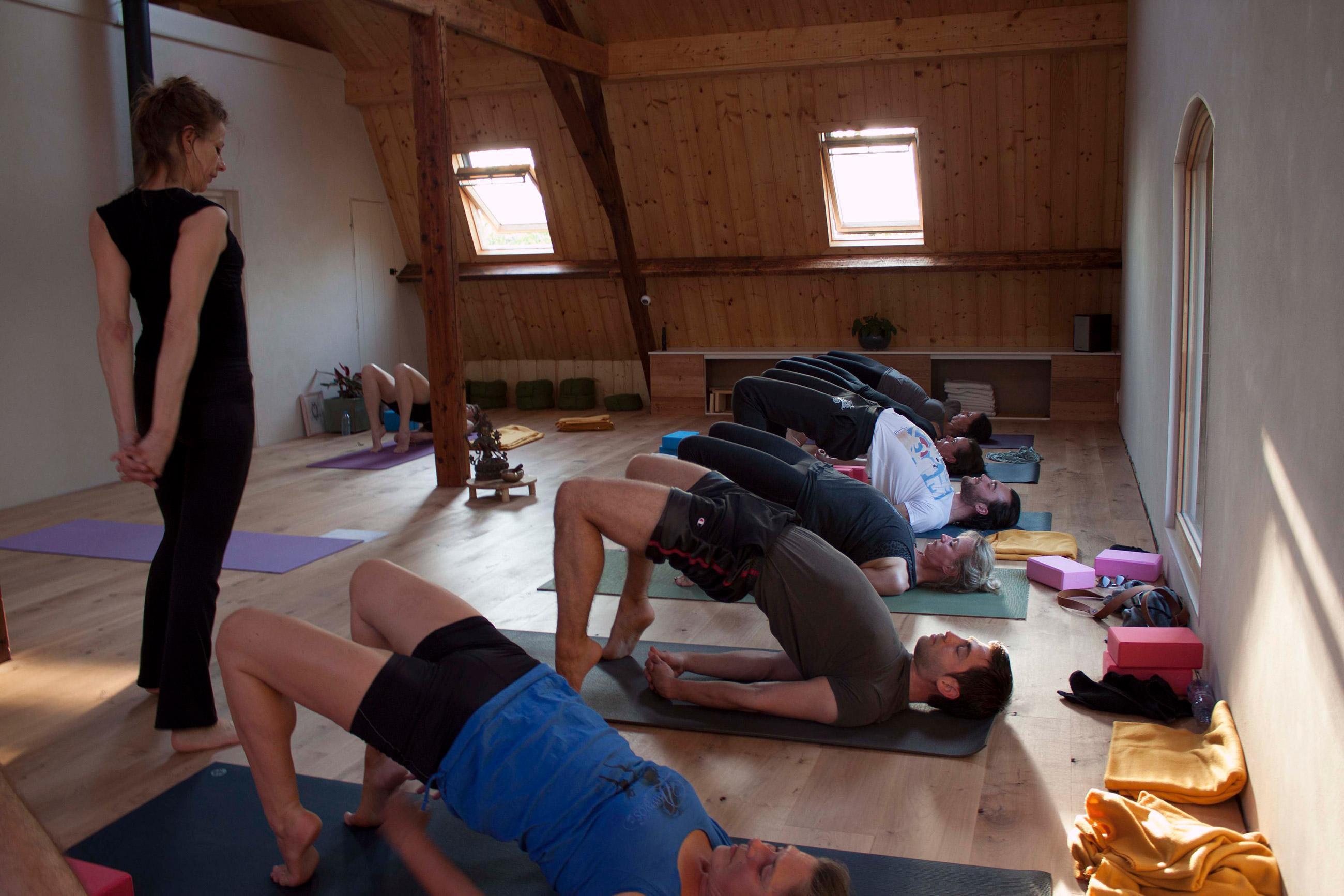 Yogalicht: Yogalicht geeft les in Nijmegen, Beek, Lent, Oosterhout of op locatie